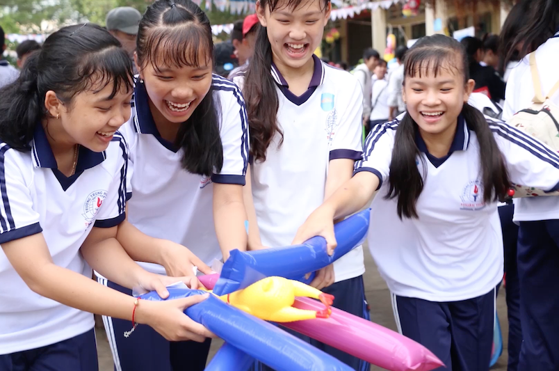Moon of Love Festival Brings Joy to 800 Children in the Mekong Delta